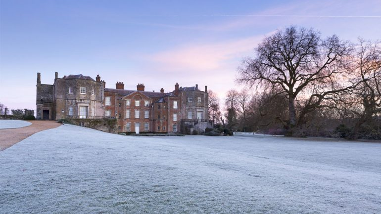 A sparkling and colourful Christmas at National Trust
