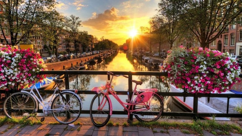 How to beat the crowds in Amsterdam
