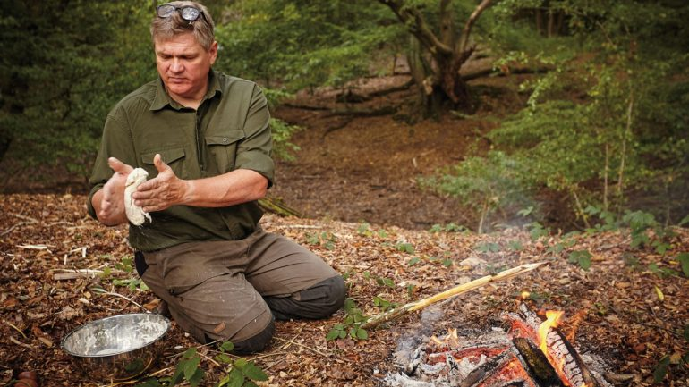 Ray Mears: 'Things  do taste better outdoors'