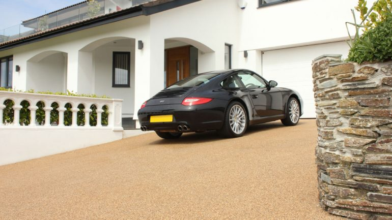 Resin bound driveways vs traditional block paving